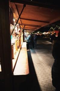 Weihnachtsmarkt Berlin: Blick auf Weihnachtsbuden