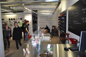 Figurenwerk im Berliner Kreativkaufhaus Modulor