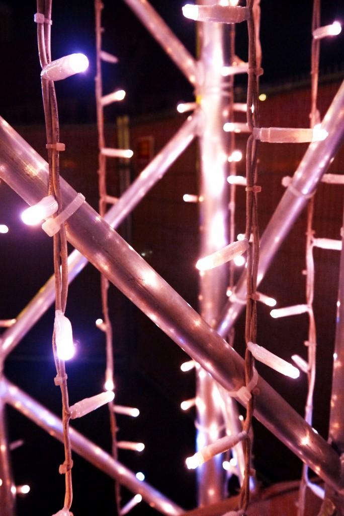 Weihnachtsmarkt Berlin: Lichtinstallation auf dem Weihnachtsmarkt am Alex