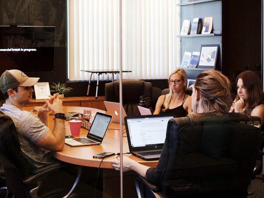 Meetings sind wichtig, werden durch Trolle aber oft ineffektiv