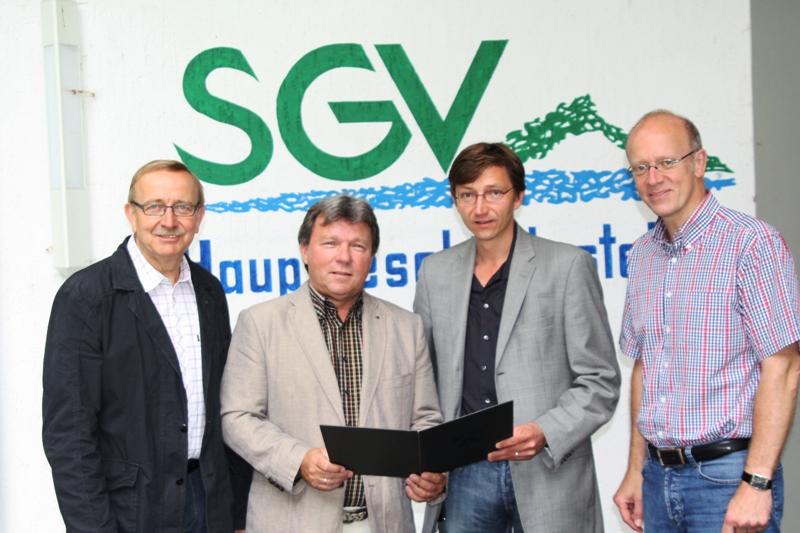 SGV und der Wanderatlas Verlag unterschreiben einen Kooperationsvertrag